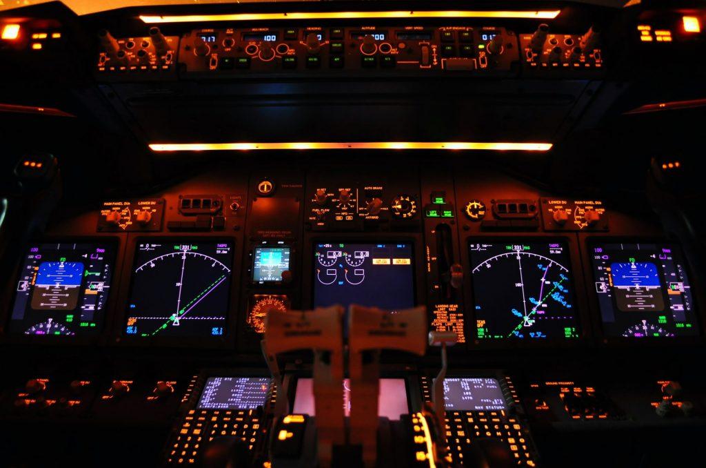 speur-viation-flight-deck
