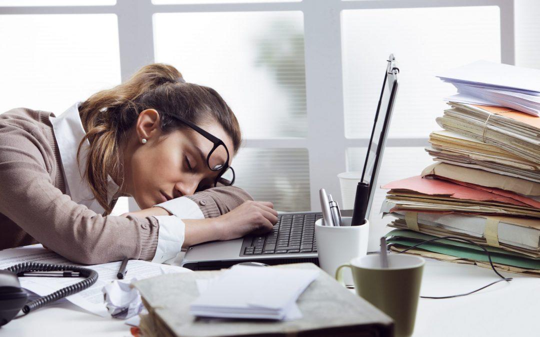 speur-viation-tired-businesswoman